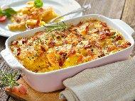 Рецепта Печени картофи Карбонара на фурна с пушен бекон, сметана, кашкавал и пармезан на фурна